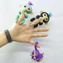 新款充電式呆萌手指猴 指尖玩具 兒童的生日禮物 電子智能觸感手指猴 寶貝猴 玩具猴 兒童玩具