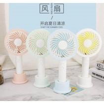 馬卡龍彩燈風扇 2色迷你手持小風扇創意便攜風扇涼感空調迷你風扇靜音風扇 usb可用行動電源